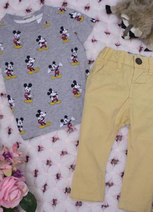 Стильный комплект футболка с микки маус и штанишки
