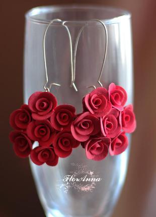"""Длинные красные серьги с цветами """"красные розы"""""""