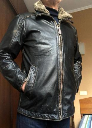Стильная кожаная куртка strellson,съёмные подкладка и воротник