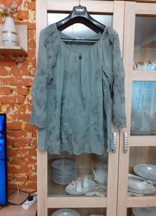 Миленький вискозный с вышивкой блузон большого размера