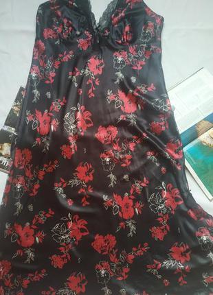 """Чёрная длинная ночная рубашка с бордовыми цветами """"marks&spenc..."""