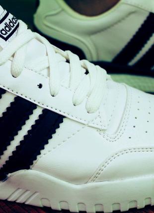 Мужские кроссовки белые адидас Adidas