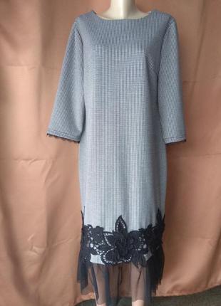 Платье в клеточку с сеткой и кружевом снизу