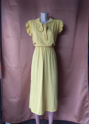 Летнее платье из штапеля в горошек