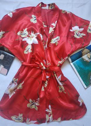 Красный короткий халат/ пеньюар с цветами