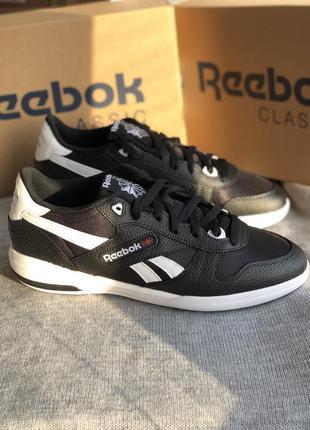 Черные кроссовки из натуральной кожи reebok