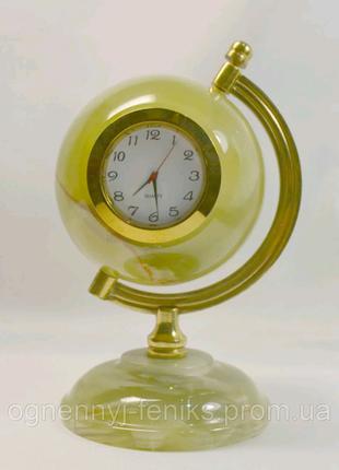 Глобус с натурального камня Оникс с часами .