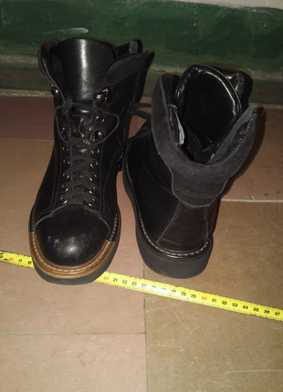 Обувь почти новая