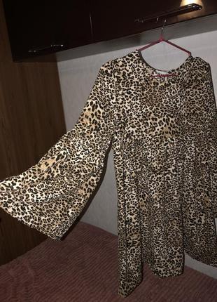 Платье/ туника в леопардовый принт bershka