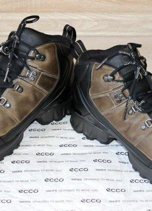 Зимние ботинки ecco biom hike. оригинал. размер 42.
