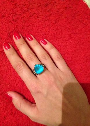 Кольцо с голубым камнем под топаз серебряное покрытие кільце