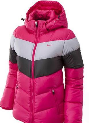 Пуховик куртка женская фирменная nike оригинал.