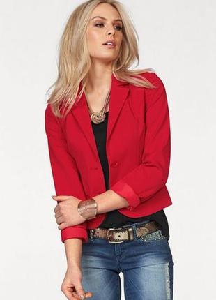 Стильный вельветовый красный пиджак блейзер