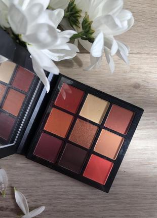 Палетка теней для век huda beauty warm brown obsessions palette