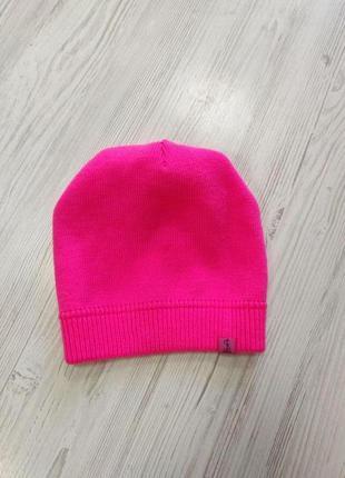 Кислотно розовая шапка