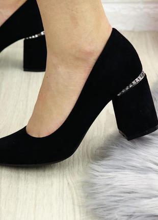 Туфли женские на каблуке черные ullis 1245