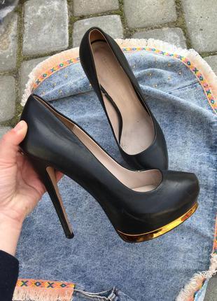 Zara woman туфли черные