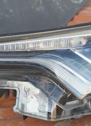 Toyota C-HR Фара 81150-F4071  81170-F4070