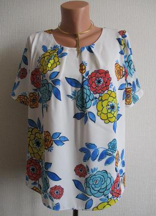 Блузка в цветочный принт tu