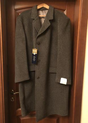 Новое мужское зимнее пальто фирмы claude hilton