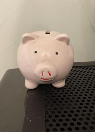 Статуэтка свинка-копилка