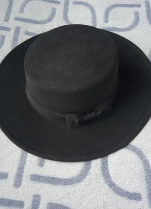 Шляпа женская канотье с широкими полями черная и лентой бантик