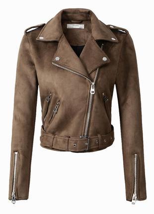 Женская замшевая куртка косуха коричневая