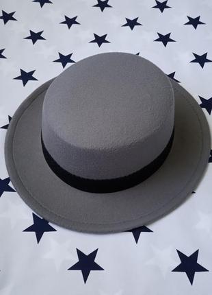 Шляпа женская канотье серая с лентой