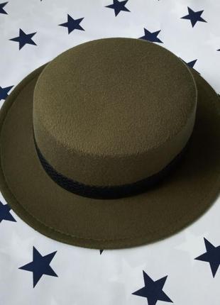 В наличии шляпа женская канотье темно - зеленая с лентой