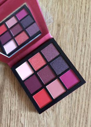 Палетка теней для век huda beauty ruby obsessions palette