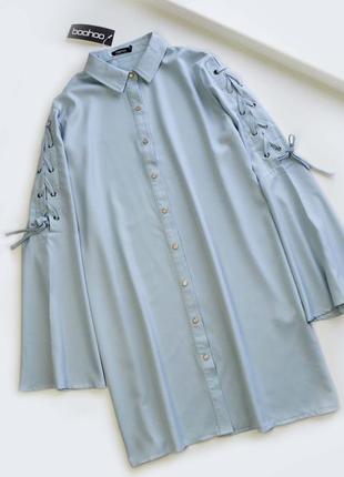 Актуальное платье рубашка с красивыми рукавами со шнуровкой