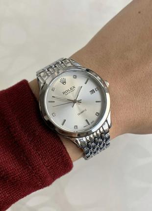 Часы женские наручные металлические серебристые с датой