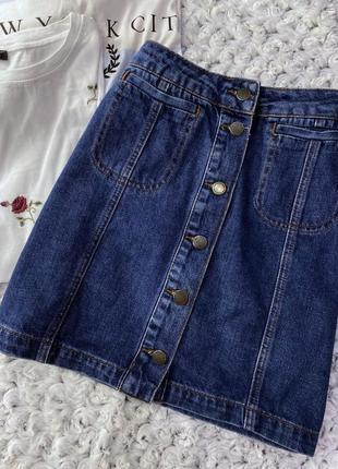 Базовая джинсовая юбка мини на пуговицах topshop