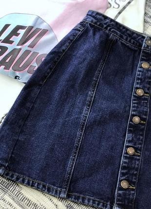 Базовая джинсовая мини юбка на пуговицах new look