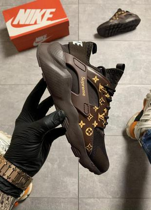 Nike air huarache ultra x supreme lv brown.
