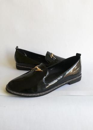 Лоферы лаковые лофери туфли туфлі туфельки