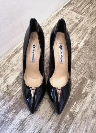 Черные лодочки lino marano лаковые туфли на каблуках туфлі туф...