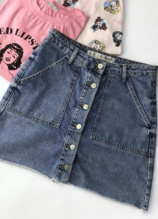 Джинсовая мини юбка на пуговицах с карманами denim co