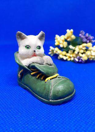 Кот в ботинке статуэтка миниатюра котик котенок