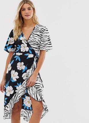 Актуальное платье на запах в цветы и в принт зебры