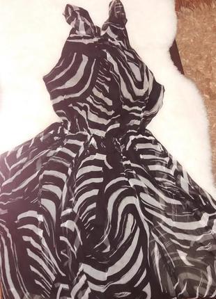 Шикарное летящее шелковое платье от et vous