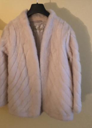 Элегантнейший норковый пиджачок молочного цвета, р.38.