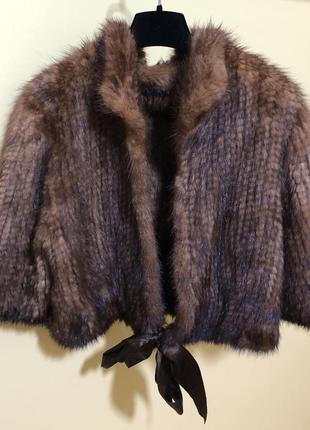 Отличная бобочка{ курточка- кофточка} из вязаной норочки .
