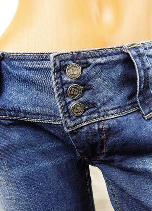 Сексуальные джинсы под широкий ремень il'dolce