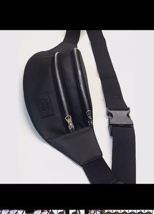 бананка чёрная кожаная,сумка на пояс чёрного цвета,поясная