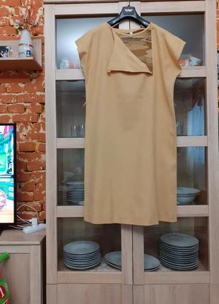 Котоновое горчичное с красивой горловиной платье большого размера