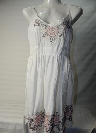 Летнее платье с красивой вышивкой