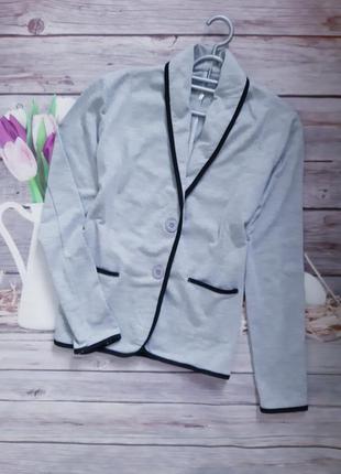 Стильный пиджак трикотажный