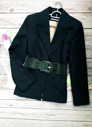 Стильный базовый пиджак