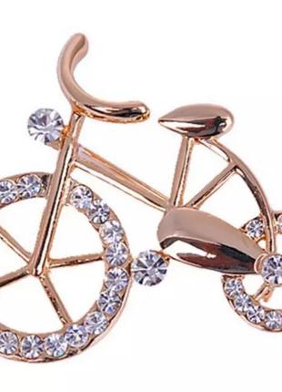 Модная брошь велосипед